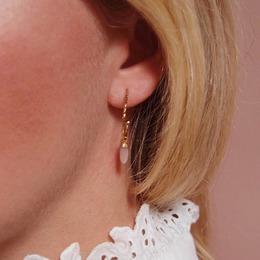 Créoles JOY - Little Drop ♡ Dispo sur l'eshop . . #sirjane #sirjanebijoux #bijoux #creoles #joy #littledrop #pierredelune #pierredelunerose #faitmain #artisanat #artisanfrancais #artisan #artisanatfrancais #createurfrancais #madeinfrance #jewels #handmadejewelry #jewelry #earrings #ideecadeau #boutiquelyon #lyon6 #createurlyonnais #christmaswishlist