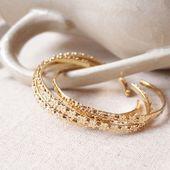 • J U D Y • Nouveau demi jonc orné de fleurs Irrésistible ♡ . . #sirjane #sirjanebijoux #judy #bracelet #jonc #goldenflowers #jewels #jewellery #handmade #handmadejewelry #madeinfrance #artisan #artisanat #artisanatfrancais #faitmain #bijoux #bijouxcreateur #lyon #lyon6 #boutique #boutiquelyon #createurlyonnais