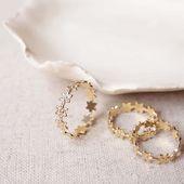 ▪︎E L I S A▪︎ La bague Elisa revient dans une version plus épurée et en anneau entier On craque pour sa délicatesse intemporelle ♡ . . #bague #bijoux #bijouxcréateur #sirjane #sirjanebijoux #createur #createurlyonnais #lyon6 #lyonshopping #artisan #artisanat #artisanatfrancais #faitmain #madeinfrance #ring #jewels #handmadejewelry #newcollection